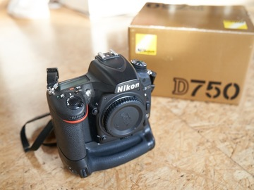 Sell: Nikon D750 DSLR OVP