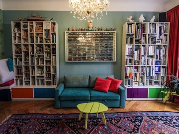 Rentals: Beautifully decorated artsy apartment w/ multiple sets