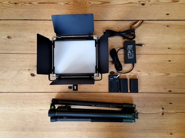 Vermieten: Light Neewer 660 LED & Soft Box & Carbon fiber Tripod Rollei