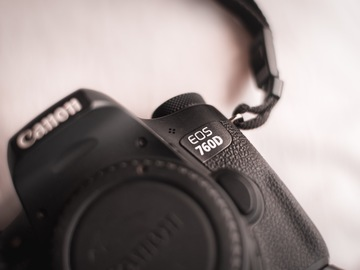 Rentals: 24.4MP Flip screen Canon 760D + Battery Grip