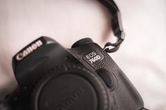 Vermieten: 24.4MP Flip screen Canon 760D + Battery Grip