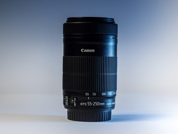 Rentals: Super Zoom Canon 55-250mm F/4.5-5.6 + Pouch
