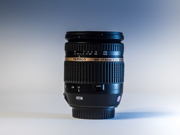 Rentals: Tamron 17-50mm f/2.8 Canon Mount Creative Bokeh Lens + Pouch