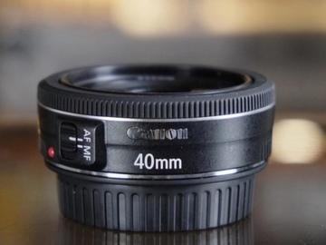 Verkaufen: Canon 40mm lens good as new