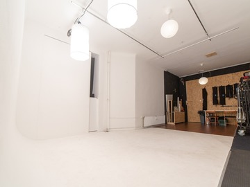 Studio/Spaces: All-in Photo and Video Studio