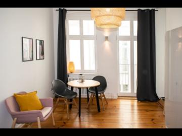 Rentals: Beautiful Studio