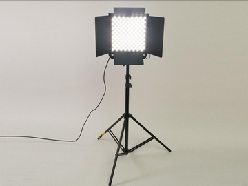 Vermieten: Litepanels Astra 1x1 Bi-Color - 100 Watt LED panel