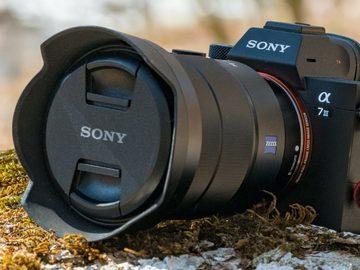 Rentals: Sony alpha 7 iii + Zeiss 24-70 F4 + Rode mic + fill light