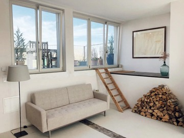 Studio/Spaces: Artist Loft 113