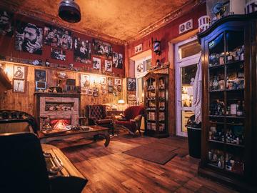 Studio/Spaces: Old School Barber Shop