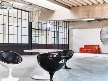 Studio/Spaces: Daylight Loftstudio mit großer Tageslichtfront und Oberlicht