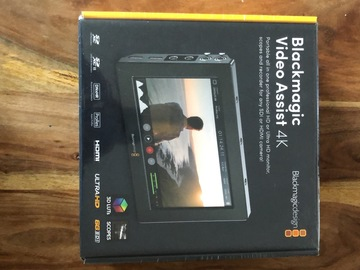 Sell: blackmagic video assist 4k