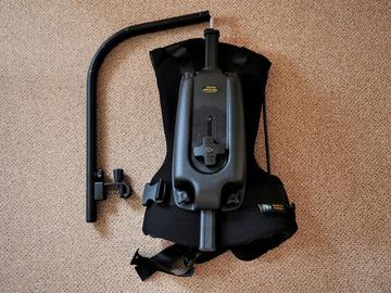 Rentals: Easyrig Minimax 2-7kg, inkl. Kong Frog Adapter und Tasche
