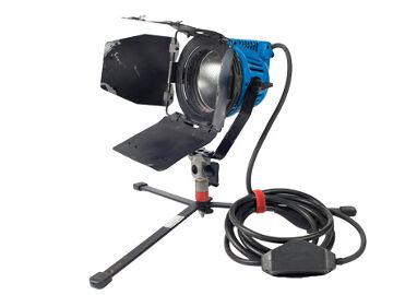 Rentals: ARRI 650W Kunstlicht 3x Fläche-Set
