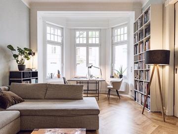 Studio / Räumlichkeiten: Beautiful and large Altbau apartment in Cologne