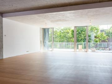 Studio/Spaces: Brutalist & Minimalistic Space
