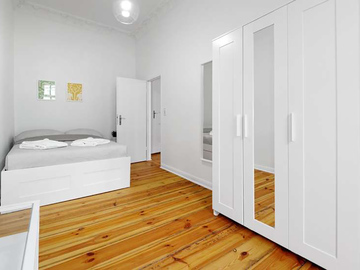 Studio/Spaces: Altbauwohnung zur Filmlocation Tiergarten/Moabit