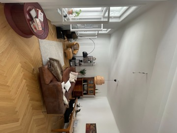 Studio/Spaces: Spacious modernized tworoom apartment in an old building