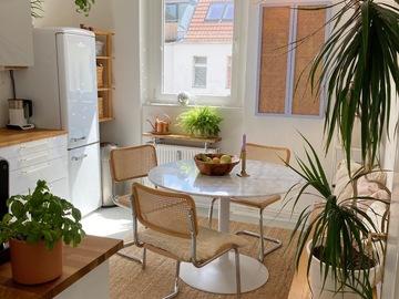 Studio/Spaces: Eclectic Mid Century Altbau with amazing view