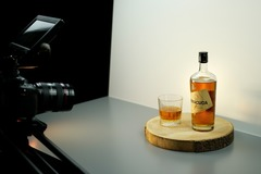 Studio/Spaces: Film-/Fotostudio für Live-Interviews, Produktvideos, Fotos